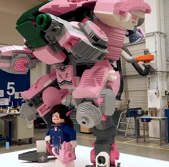 Life-sized Overwatch D.Va model revealed for BlizzCon!