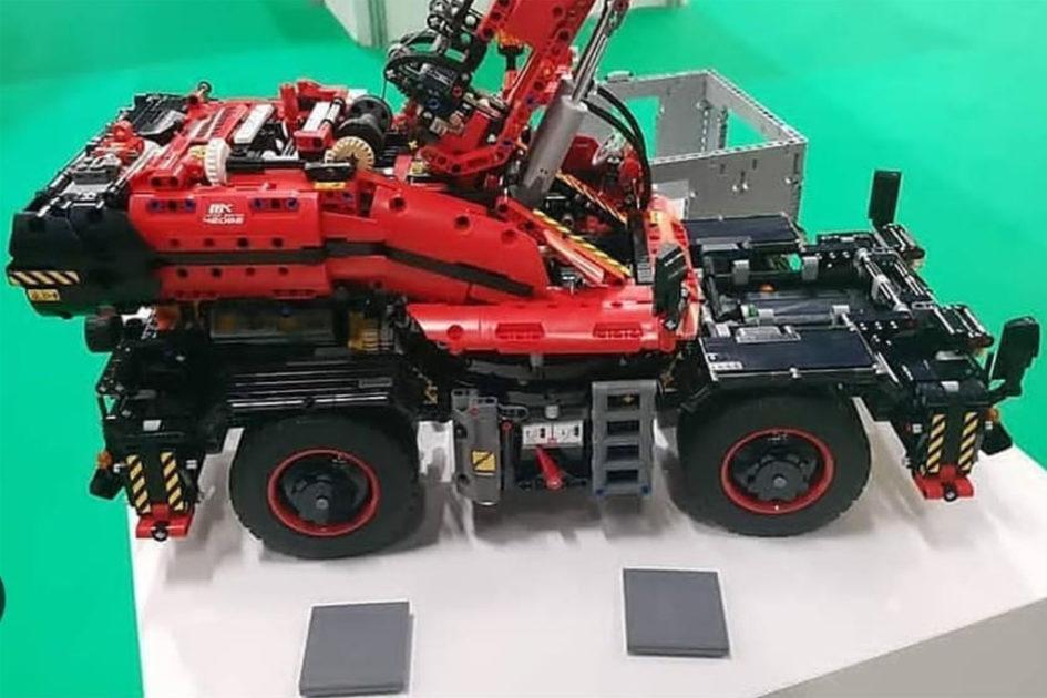 First Images Of 42082 Rough Terrain Crane Brickset Lego Set Guide