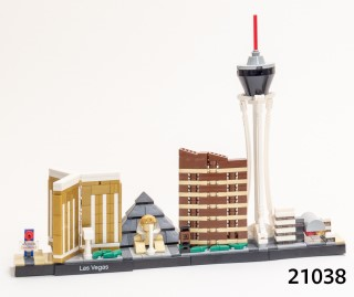 21038 Las Vegas Skyline: the set that doesn't exist. Or does it?