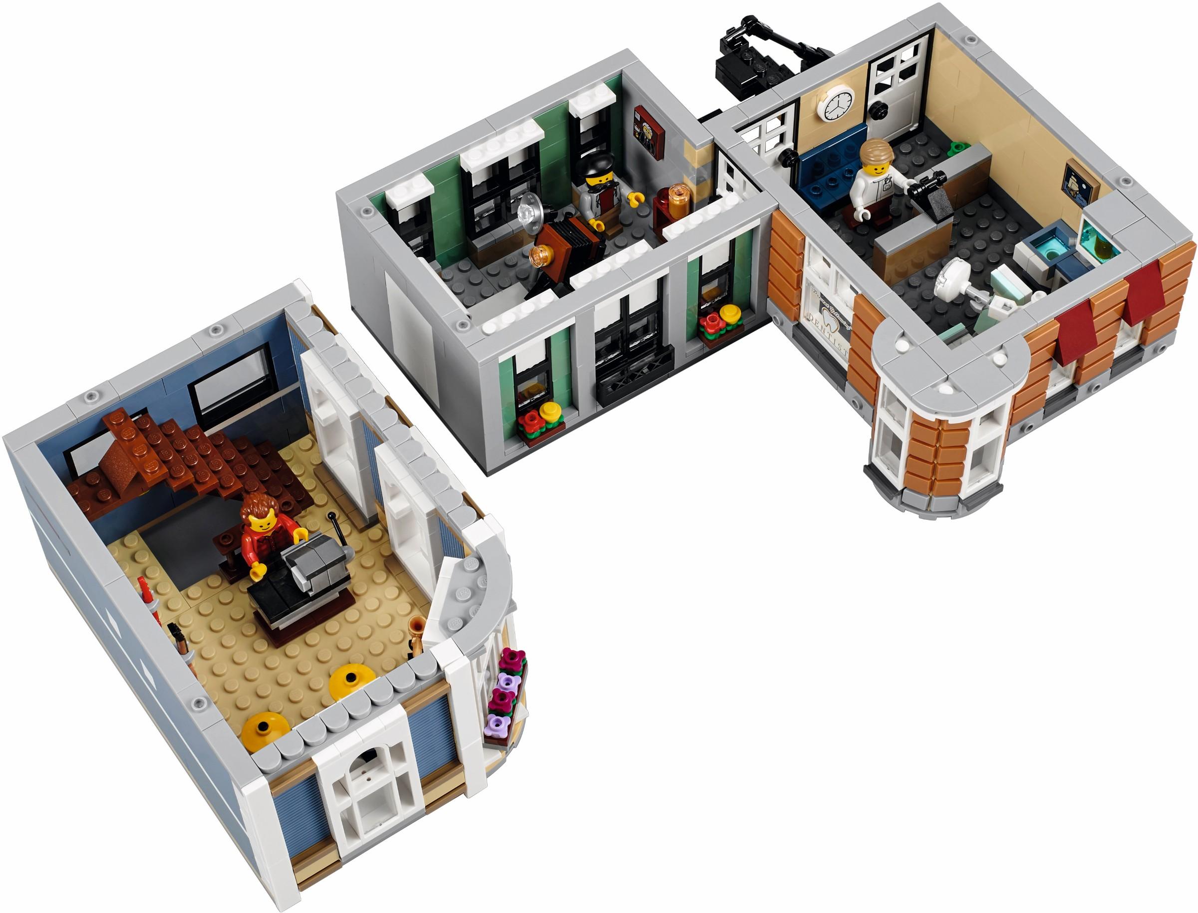 http://images.brickset.com/sets/AdditionalImages/10255-1/10255_Back_02.jpg