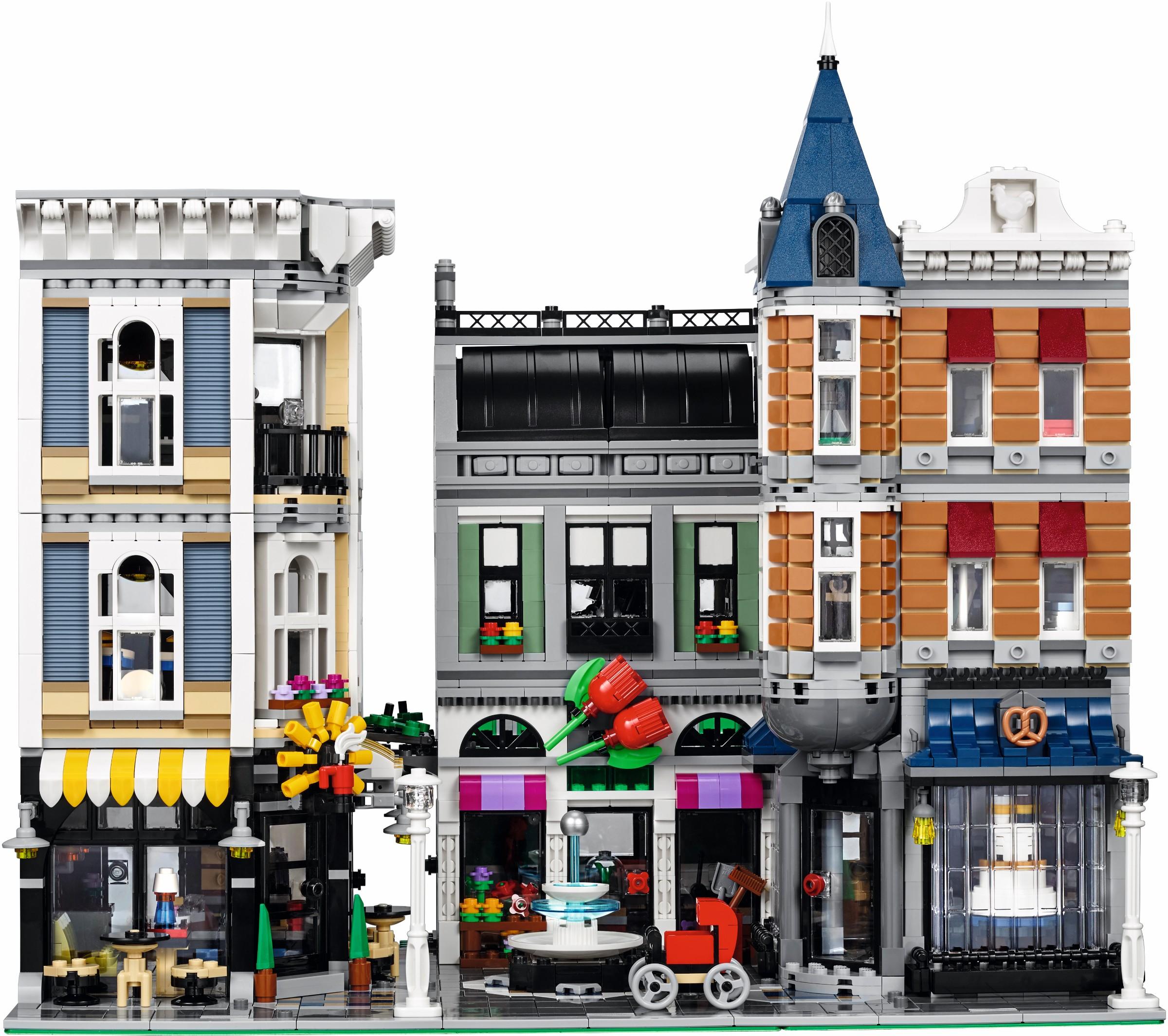http://images.brickset.com/sets/AdditionalImages/10255-1/10255_Front_02.jpg