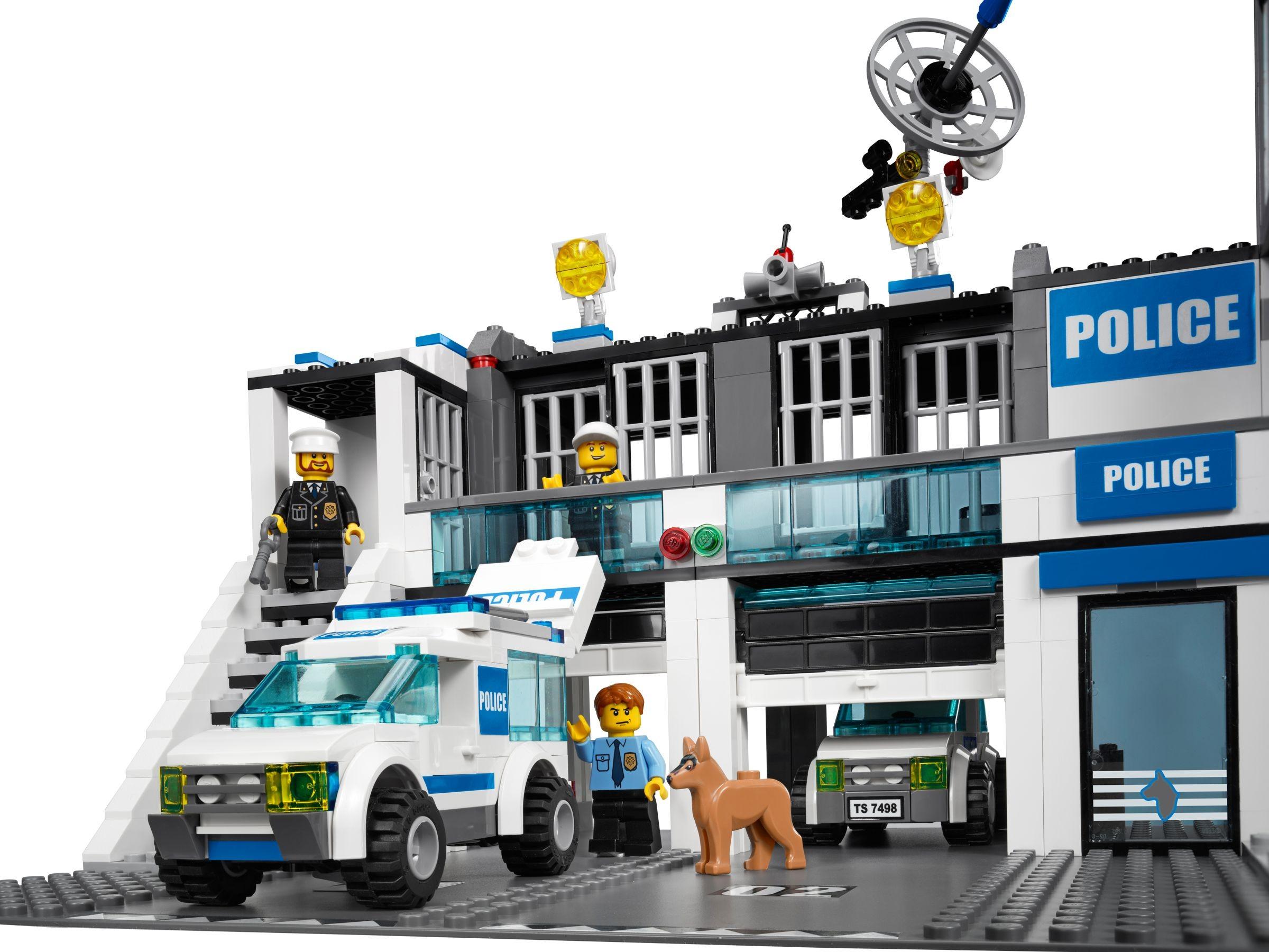 7498 1 Police Station