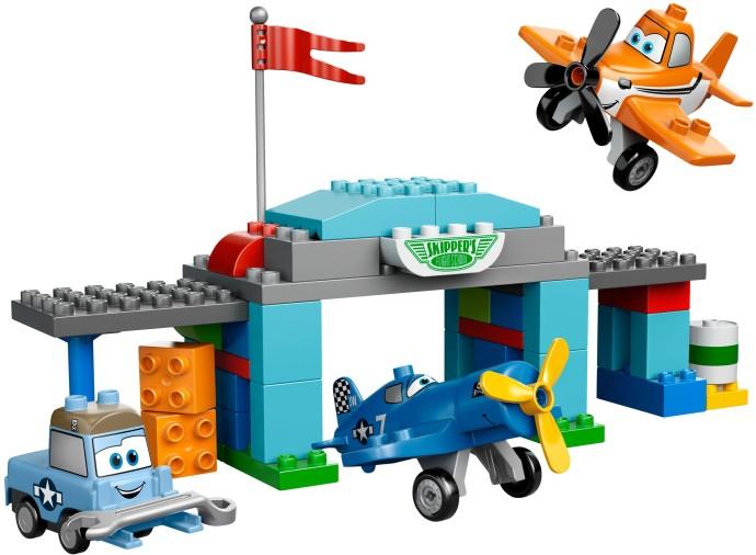 10511 1 Skippers Flight School Brickset Lego Set Guide And Database