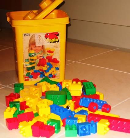 1501 1 Yellow Bucket Brickset Lego Set Guide And Database