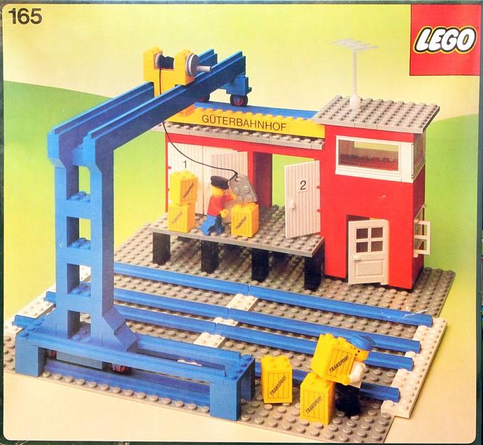 Lego 165 Cargo Station image