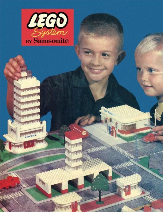 Изображение набора Лего 246 LEGO Town Plan Board