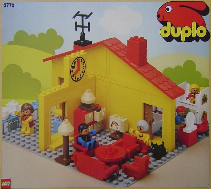 2770 1 Play House Brickset Lego Set Guide And Database
