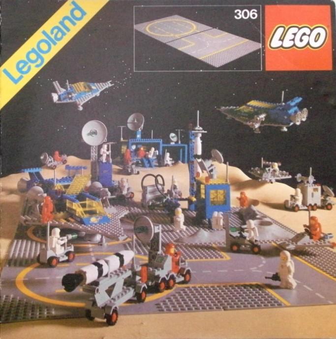 Lego 306 Two Lunar Landing Plates image