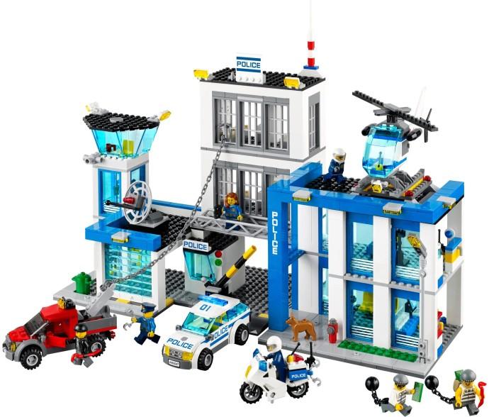 60047 Vs 60141 Which Police Station Should I Buy Lego