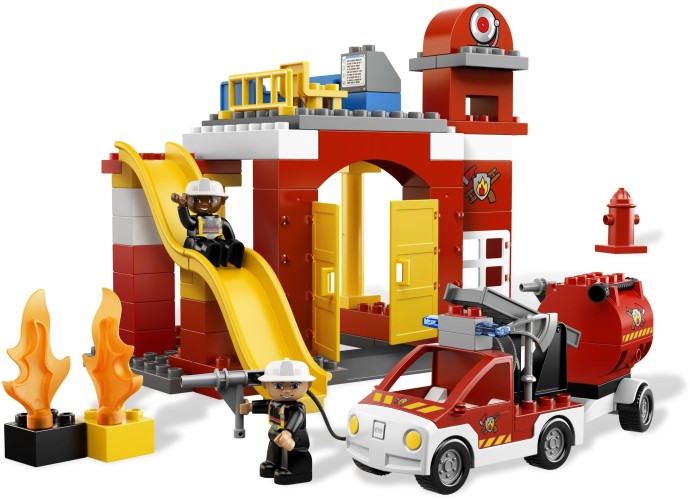 6168 1 Fire Station Brickset Lego Set Guide And Database