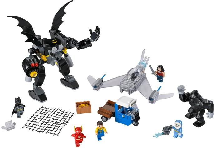 Lego 76026 Gorilla Grodd Goes Bananas image