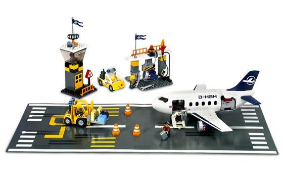Duplo Airport Brickset Lego Set Guide And Database
