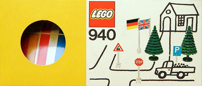 Lego 940 Flags, Signs and Trees image