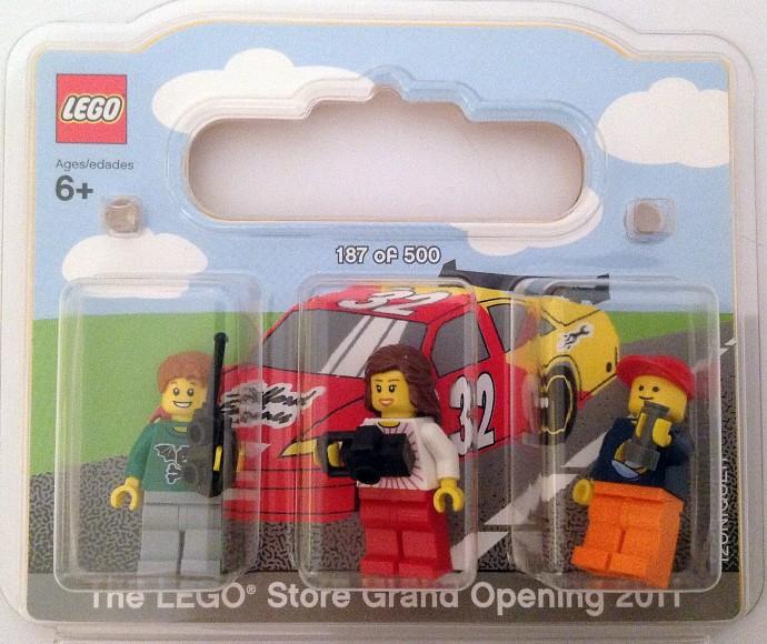 Lego Store Mini Build Sign Up