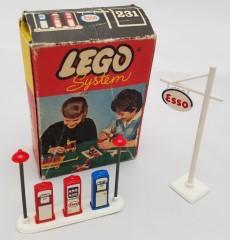 Lego 231 Esso Pumps/Sign