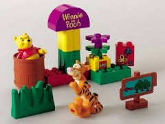 Lego 2983 Pooh and Tigger Play Hide and Seek